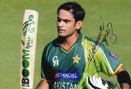 Mohammad Hafeez, Pakistan, signed 12x8 inch photo.